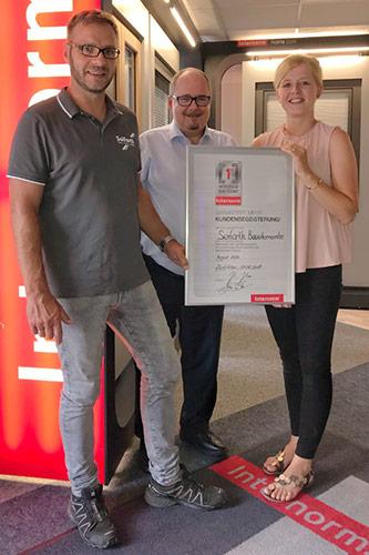 """Übergabe des Zertifikats """"1st Window Partner"""" von Internorm"""